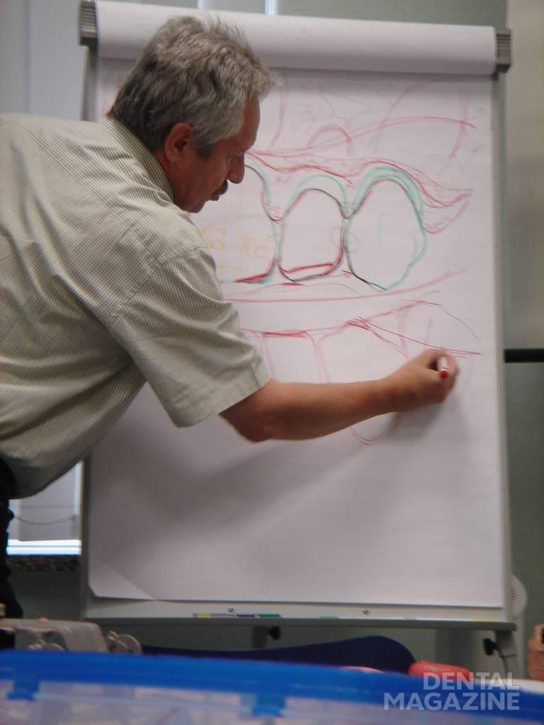 На семинаре в мастер-школе профессионального обучения зубных техников в Германии.